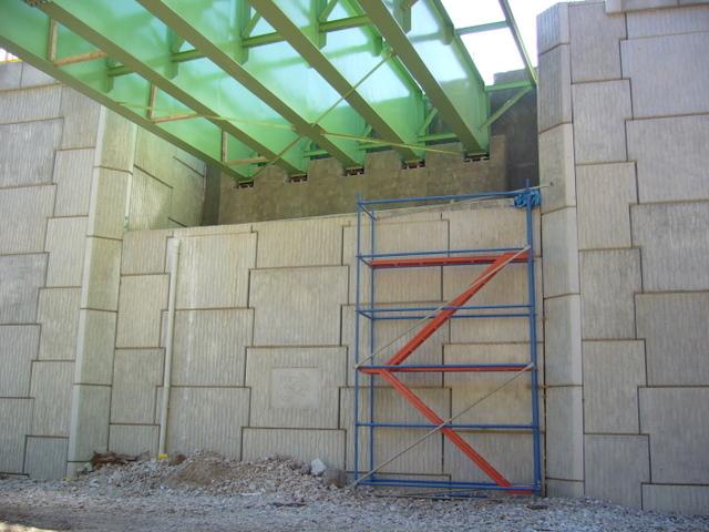 Polimer şeritli toprakarme duvarlar ve başarının altında yatan temel nedenler