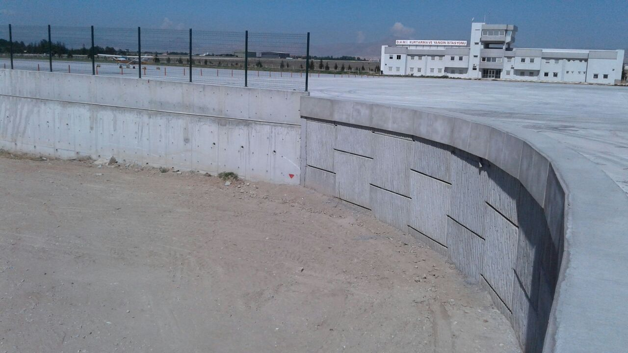 Stabilized Earth Walls Construction : Successful application of mse wall reinforced earth walls